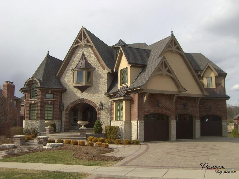 Большой дом с площадкой