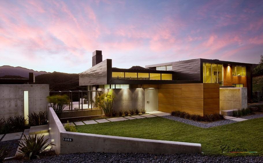 Działka z trawnikiem i domem na płaskim dachu