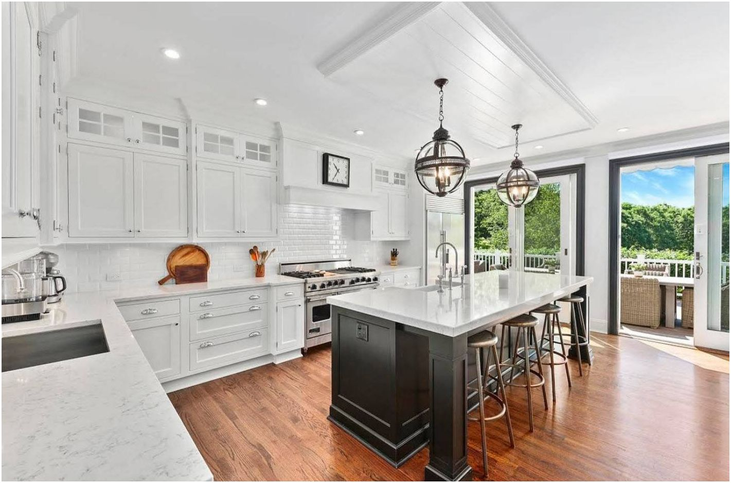 Кухня-студия 20 кв. м: зонирование комнаты в лучших дизайнерских проектах